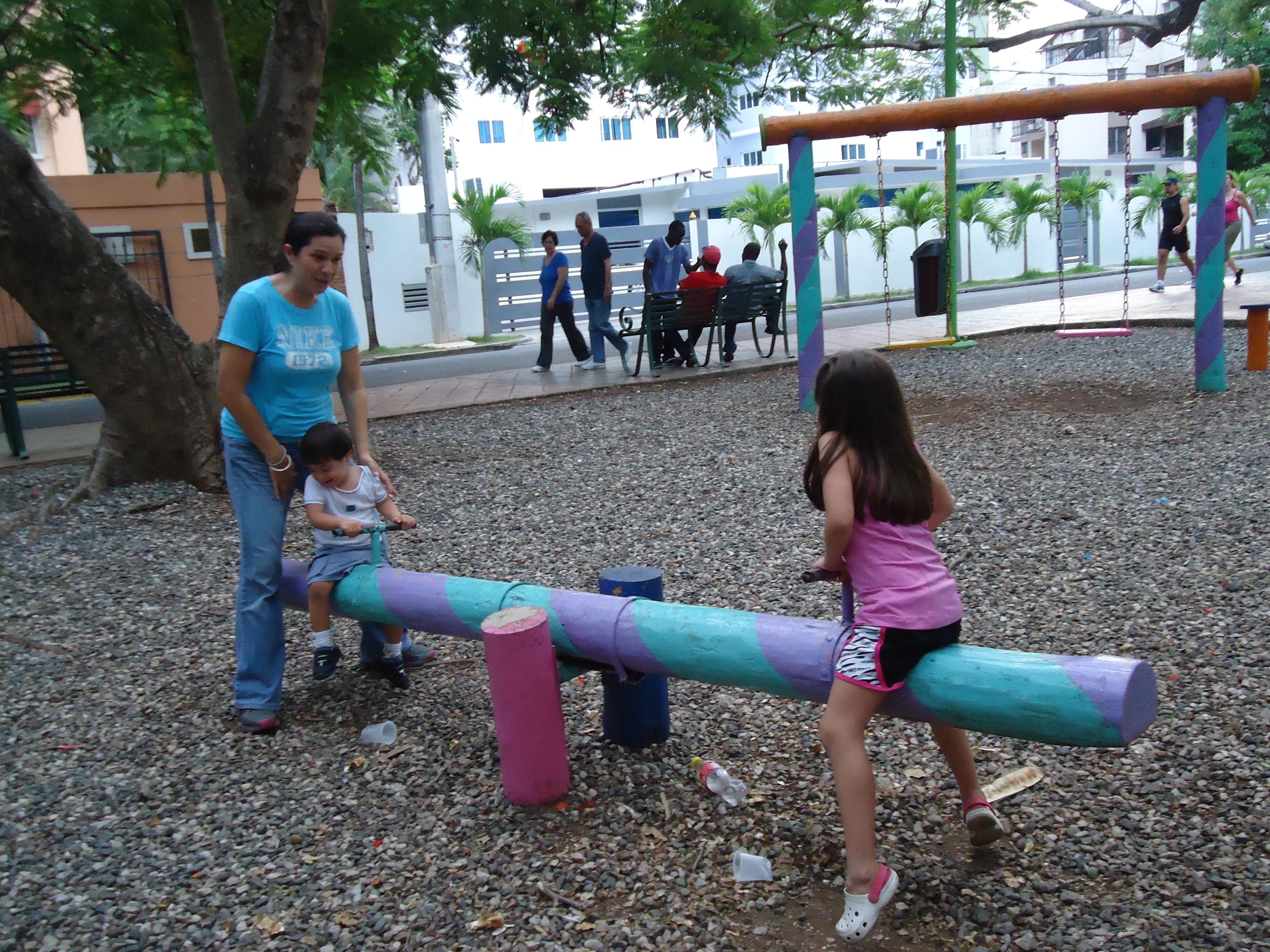 se presenta el del nuevo parque y ante las quejas de las madres sobre la de dicha rea de juegos la cual no consider las